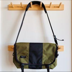 NWOT Timbuk2 Classic Messenger Bag (Small)